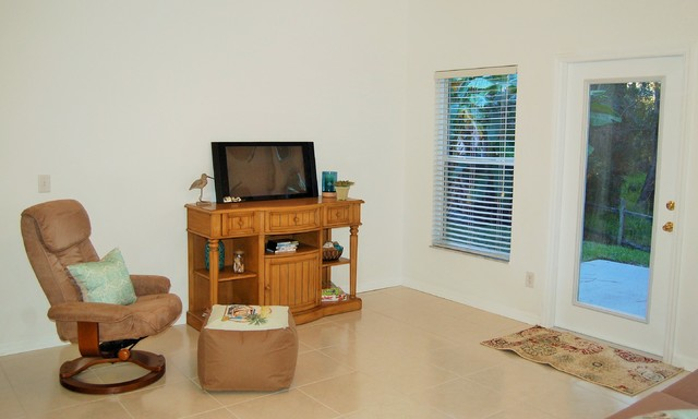 West Melbourne Vacant Home Staging Traditional Family