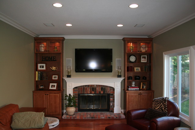 Williams traditional-family-room
