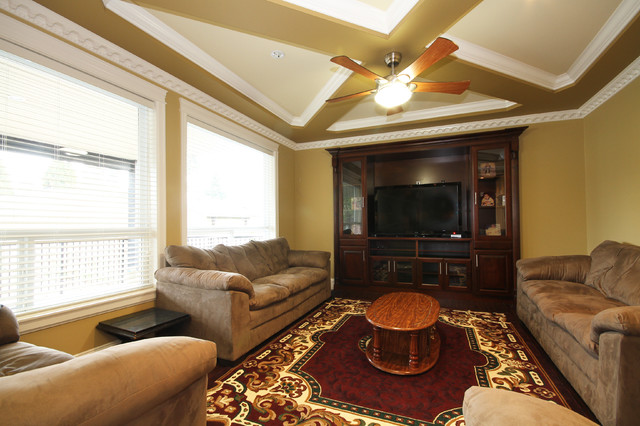 Windswept traditional-family-room
