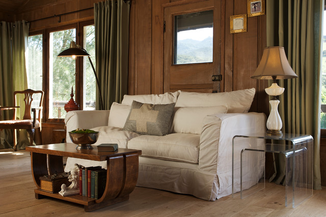 Woodsy appeal rustic-family-room