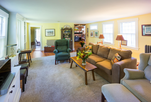 Wrentham 18th Century Colonial Family Room farmhouse-family-room