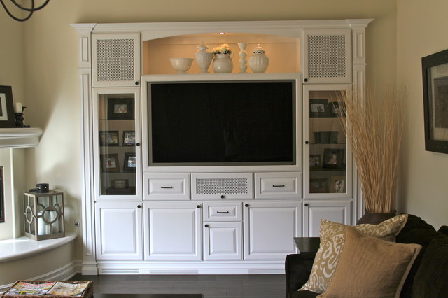 Zamani Media Niche traditional media room
