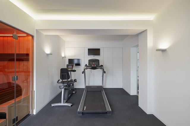 fitnessraum i sauna contemporary home gym cologne by benjamin von pidoll i architektur. Black Bedroom Furniture Sets. Home Design Ideas