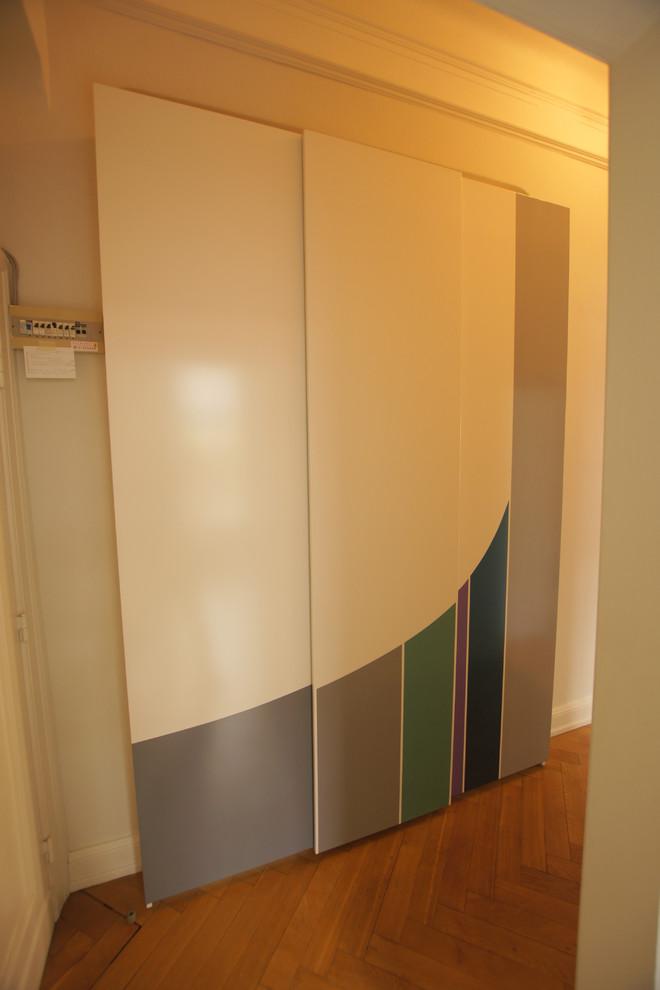 Einbauten Im Altbaudiele Flacher Schrank Mit Schiebetüren