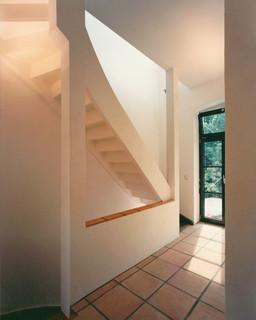 eingangsbereich mit terrakotta fliesen modern flur frankfurt am main von herbert o. Black Bedroom Furniture Sets. Home Design Ideas