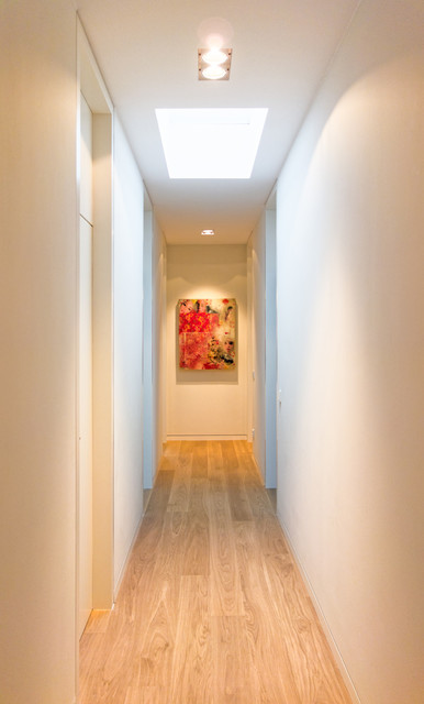 Flur contemporain couloir francfort par kleebach for Couloir contemporain