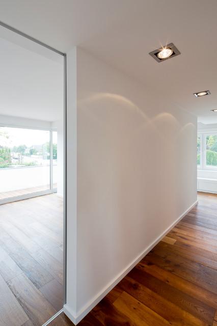 haus fro modern flur d sseldorf von ferreira. Black Bedroom Furniture Sets. Home Design Ideas