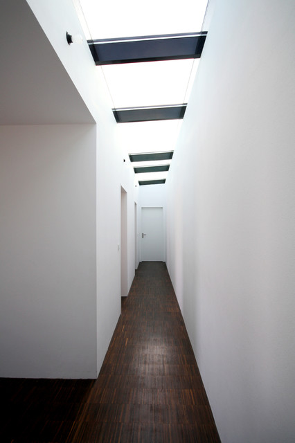 Modern Flur By Herzog + Herzog Architekten BDA