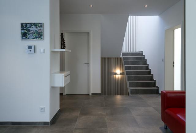 haus mohr modern flur k ln von schmitz architekten. Black Bedroom Furniture Sets. Home Design Ideas