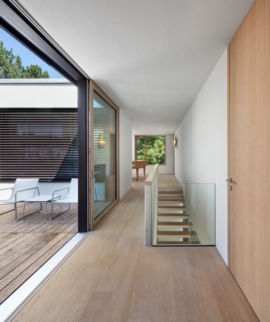 haus w minimalistisch flur m nchen von be planen. Black Bedroom Furniture Sets. Home Design Ideas