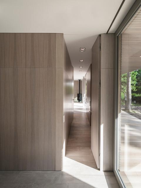 Haus wandlitz modern hall berlin by 2d architekten for Architekten bungalow modern