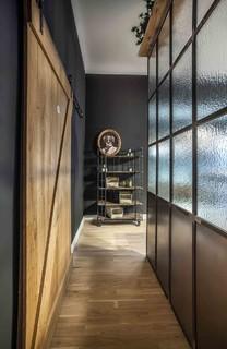 75+ Flure mit schwarzer Wandfarbe Ideen & Bilder - September 2021 | Houzz DE