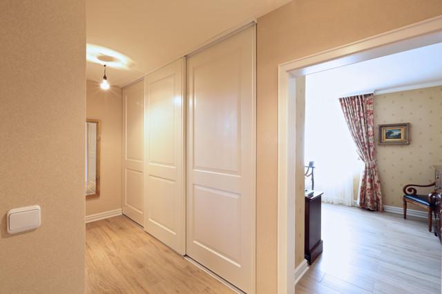 renovierung einfamilienhaus klassisch flur frankfurt. Black Bedroom Furniture Sets. Home Design Ideas