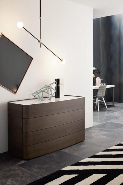 runde design kommode aus dunkler eiche contemporary hall berlin by livarea. Black Bedroom Furniture Sets. Home Design Ideas