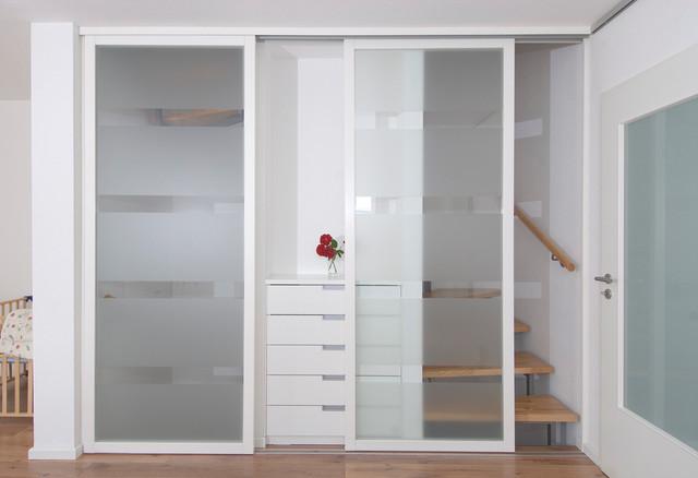 schiebet r treppenaufgang modern flur stuttgart. Black Bedroom Furniture Sets. Home Design Ideas