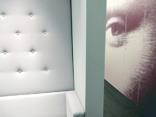 Schrank modern flur  Schrank mit bedruckten Türen - Modern - Flur - Berlin - von Grau ...