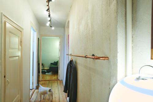 warum die kleiderstange der bessere kleiderschrank ist. Black Bedroom Furniture Sets. Home Design Ideas