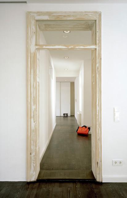 Wohnung vb m nchen minimalist contemporary hall for Minimalisten wohnung
