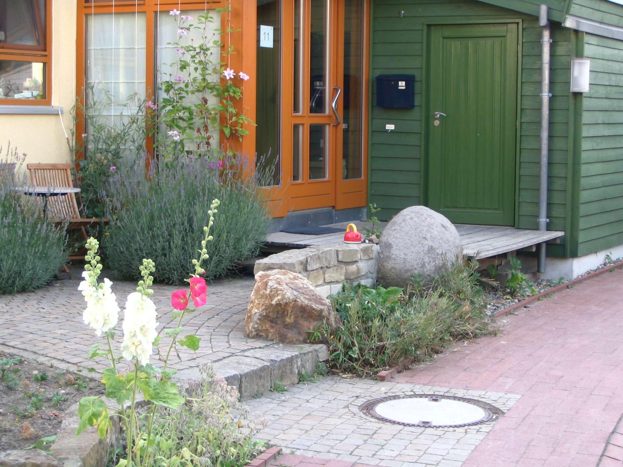 Beispiel eines kleines Vorgartens