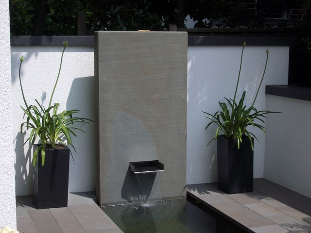 brunnen wasserbecken schwimmteiche modern garten. Black Bedroom Furniture Sets. Home Design Ideas