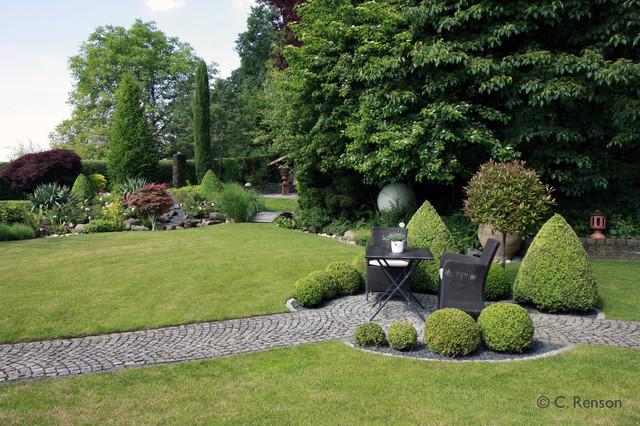 Gartenpflege Frankfurt buchs als raumbegrenzung für einen zentralen sitzplatz