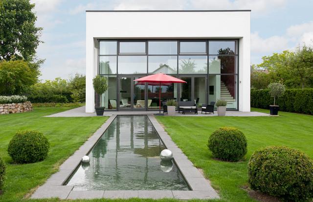 Fensterfassade moderne au engestaltung for Moderne landschaftsbilder