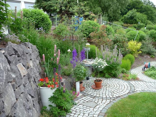 Landhausstil Garten garten im hang landhausstil garten sonstige büro für