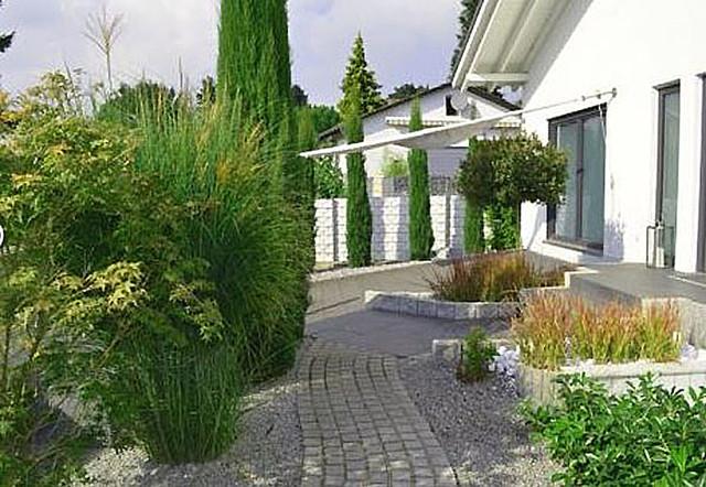 Hausg rten modern garten sonstige von plan germann - Moderne gartenbepflanzung ...