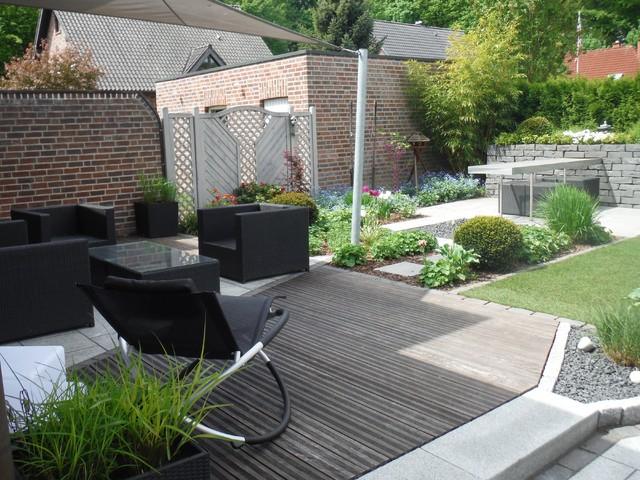 Kleiner Garten mit Wassertisch - Modern - Garten - Hamburg ...