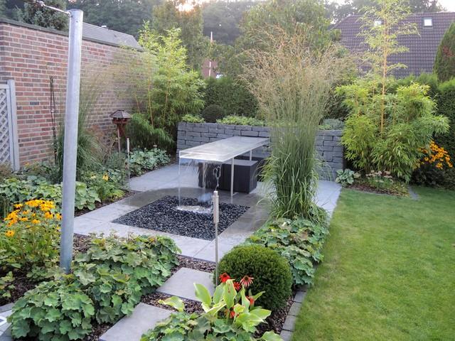 Kleiner Garten Mit Wassertisch Modern Garten Hamburg Von