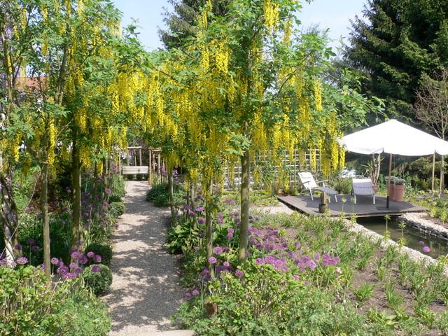 Landhausgarten in ennepetal landhausstil garten for Gartengestaltung landhausstil