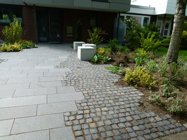 Moderner, Offener Vorgarten - Modern - Garten - Hamburg - Von