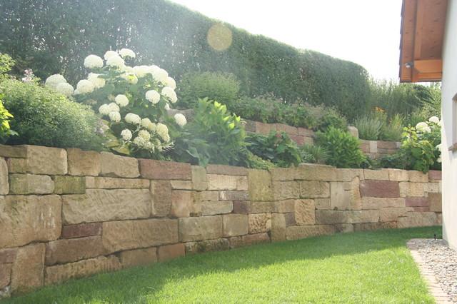 Hangabstützung natursteinmauer zur hangabstützung