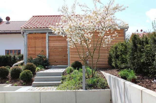 neuanlage moderner privatgarten modern garage. Black Bedroom Furniture Sets. Home Design Ideas