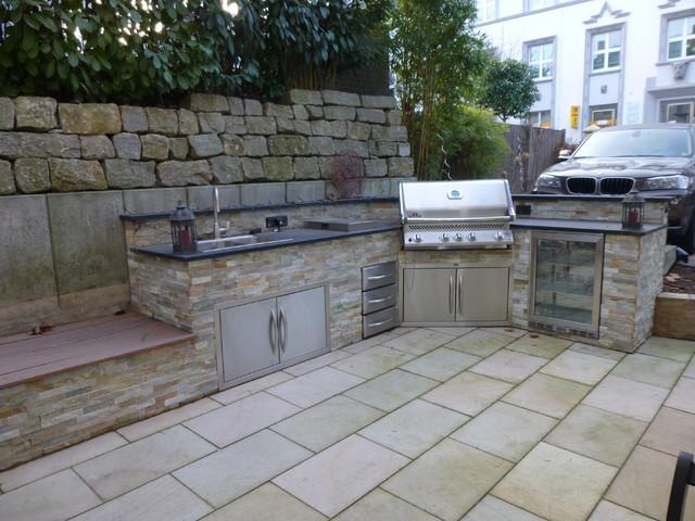 Outdoor Küche Utensilien : Leckere frische gerichte kochen mit einer outdoor küche im
