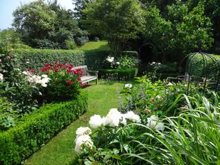 reihenhausgarten coburg klassisch garten n rnberg von droll lauenstein. Black Bedroom Furniture Sets. Home Design Ideas