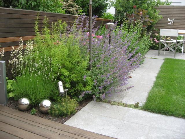 reihenhausgarten modern garten sonstige von. Black Bedroom Furniture Sets. Home Design Ideas