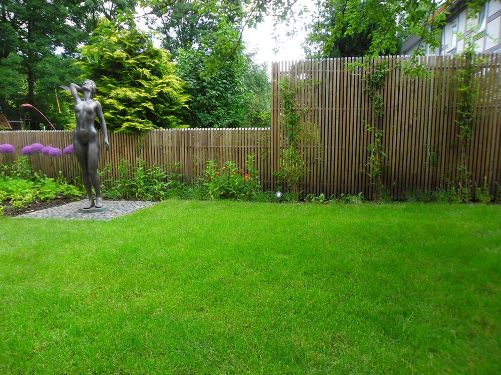gartengestaltung mit staketenzaun staketenzaun - contemporary - garden - frankfurt -gernot