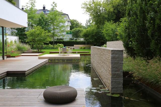 Trennwand Als Sichtschutz Für Den Pumpenschacht Contemporary Landscape