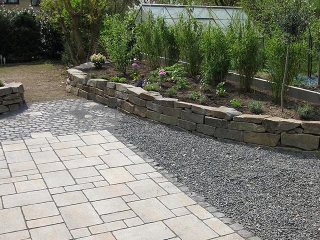 Trockenmauer und pflasterung rustikal garten k ln for Gartengestaltung rustikal
