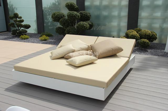 vondom outdoor daybed vela modern garten frankfurt. Black Bedroom Furniture Sets. Home Design Ideas