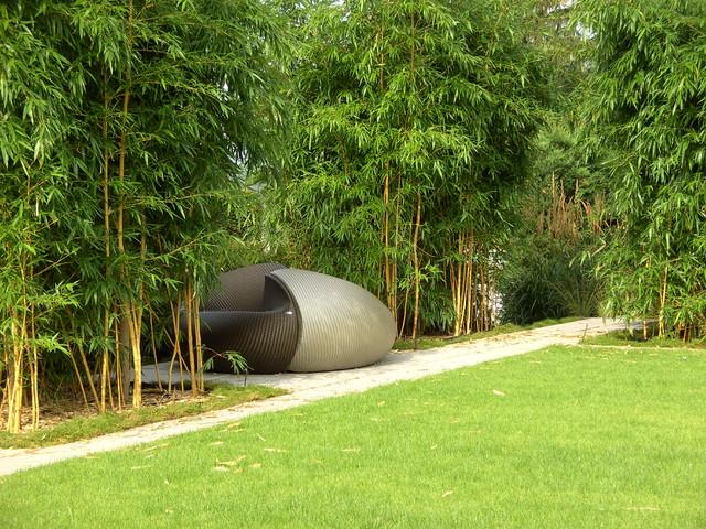Yin-und-Yang-Liege im Bambus-/Gräser-Garten - Asian - Landscape ...