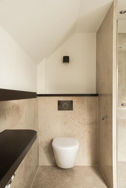 deutscher kalkstein sorgt f r edles bad ambiente modern g stetoilette d sseldorf von. Black Bedroom Furniture Sets. Home Design Ideas