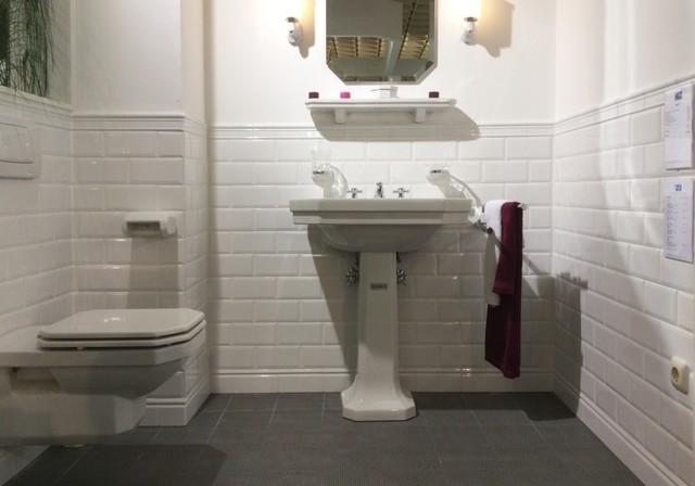 Fliesenausstellung planegg klassisk toalett other metro