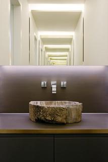 villa dreieichenweg hamburg modern g stetoilette. Black Bedroom Furniture Sets. Home Design Ideas