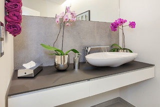luxhaus musterhaus frechen k ln modern g stetoilette n rnberg von lopez fotodesign. Black Bedroom Furniture Sets. Home Design Ideas