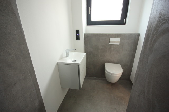 neubau bad wc gro format 120x120 industrial g stetoilette frankfurt am main von fliesen. Black Bedroom Furniture Sets. Home Design Ideas