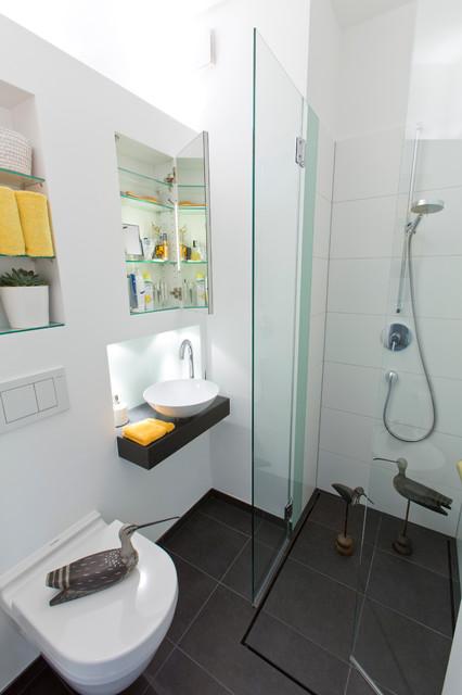 Sehr , sehr kleines Bad - Modern - Gästetoilette - Hamburg ...