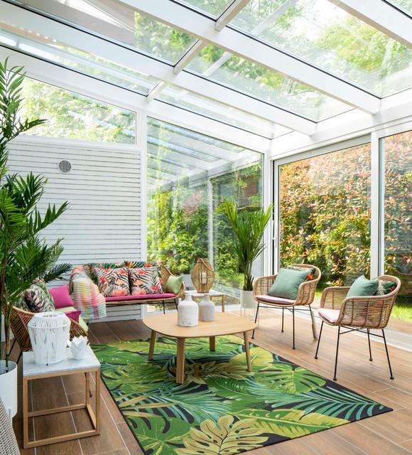 Diseño De Terraza Con Cerramiento De Cristal Tropical