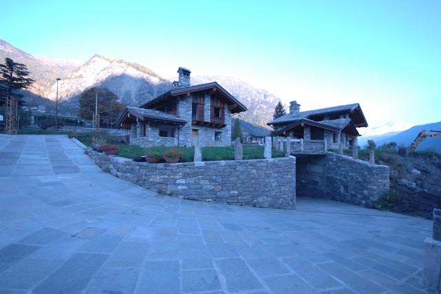 Case in pietra e legno in montagna rimessa altro for Case in legno e pietra